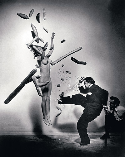 http://mundodemente.files.wordpress.com/2008/04/philippe-halsman-y-salvador-dali-3.jpg