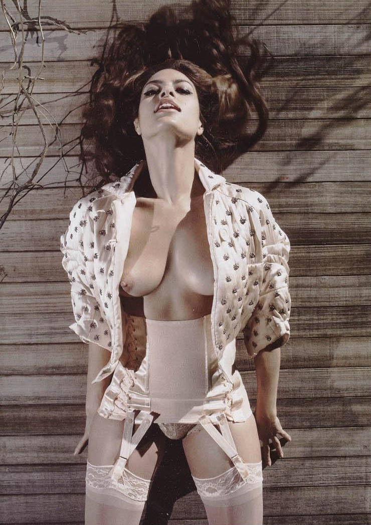 El Topless De Eva Mendes